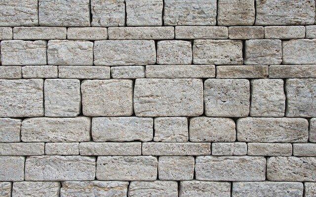 Steinmauer als Zaun